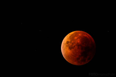 Blood Moon by fotomanisch