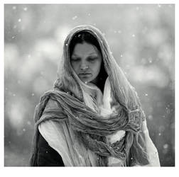 winter portrait without a basket with apples