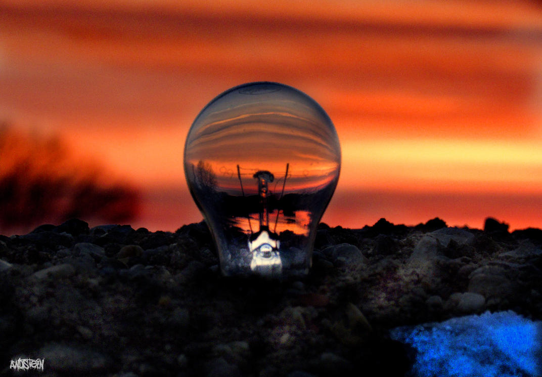 Light Bulb's sunset by Andstein00