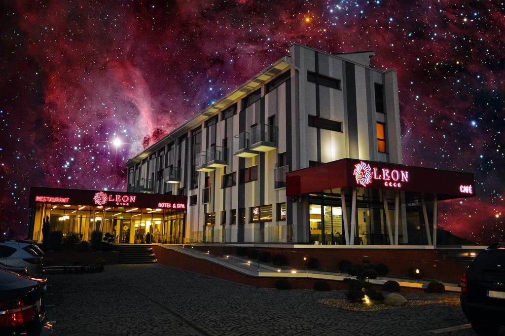 Billion Star Hotel by Andstein00