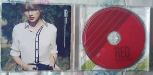 TS RED (Deluxe Edition) CD inside 01 by Avengium