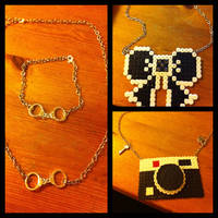 Perler beads Jewelery by L000lz