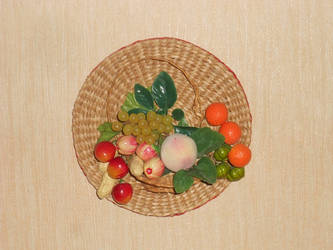 Wall mounted fruit basket by Dilstar