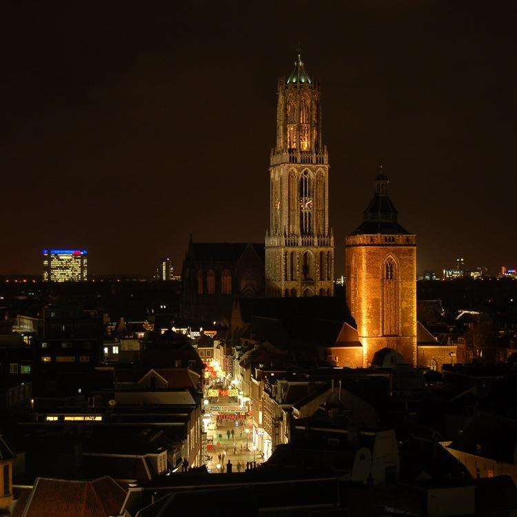 De Dom bij nacht by MedeaMelana