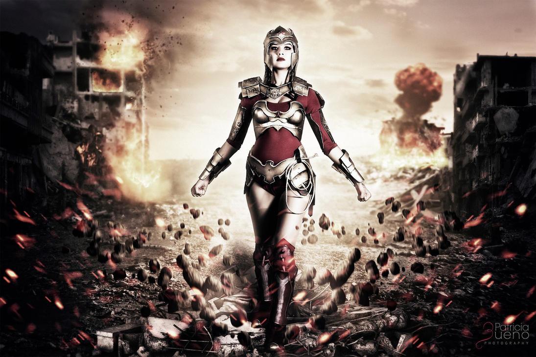 Regime Wonder Woman cosplay by Elifissa