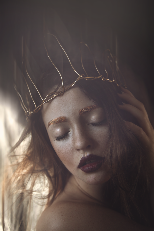 Crown of beauty by LIZZYBPHOTOGRAPHY