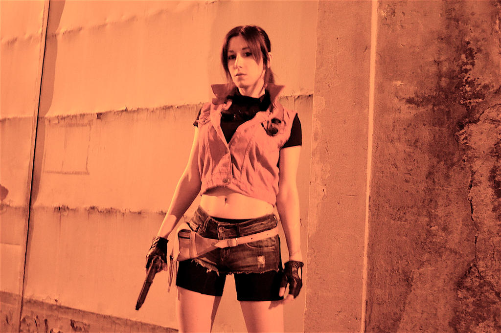 Claire Redfield Cosplay - Resident Evil 2 by Nerdbutpro