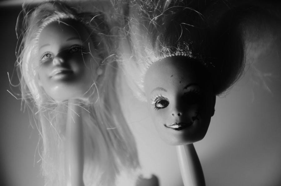 Heads by StrangerLyri