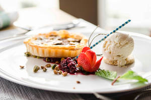 Banana Tart with Strawberry and Ice Cream by DeoIron