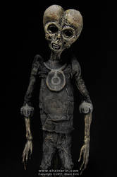 Alien Mummy Sculpture by shainerin