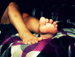 My feet... by UntaintedSoul
