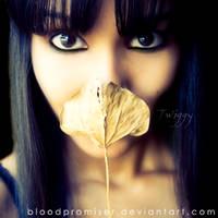 Autumned Smile by TwiggyTeeluck