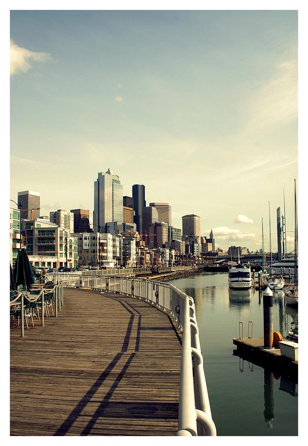 Seaside Seattle by banjoeskimo