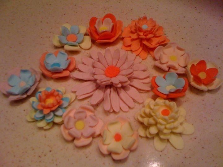sugar paste flowers1 by snaplilly