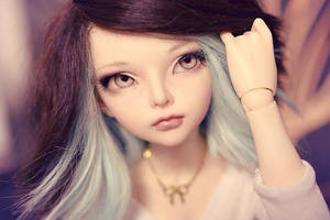Two-toned wig by Erikor