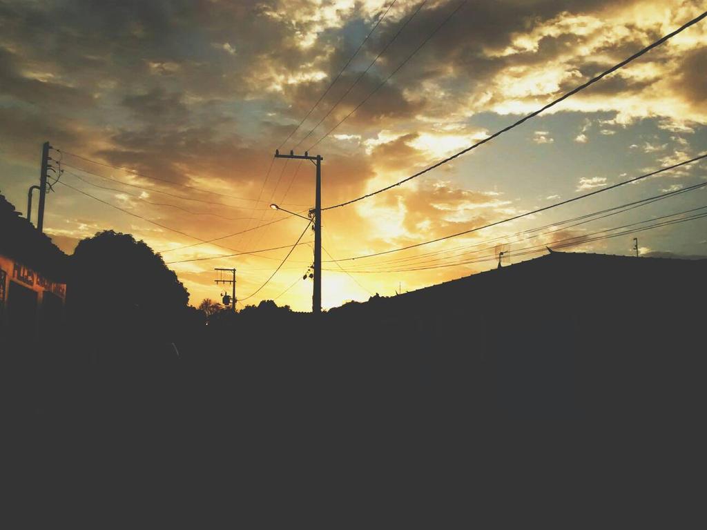 Rays of Sunlight by TandoujiVit