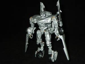 DotM Sideswipe Robot Mode