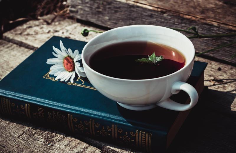 Evening tea by MiraHinDo-Takomi