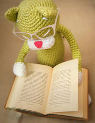 Catching up on some reading by hellohappycrafts