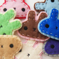 Bunny Badges by hellohappycrafts