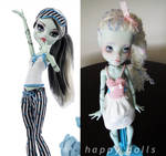 Monster high frankie repaint reroot relisted