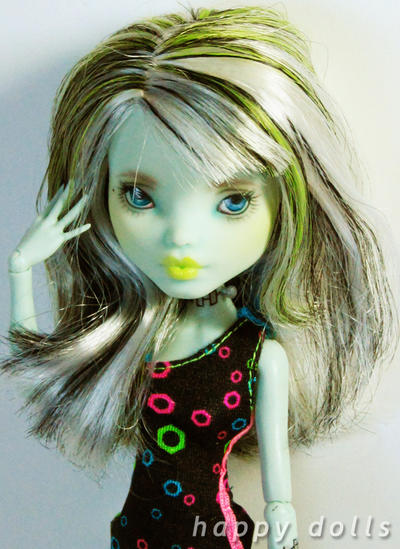 Miss Rebecca - Frankie repaint by hellohappycrafts