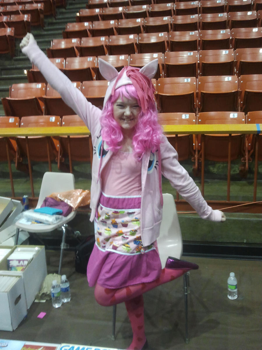 Pinkie Pie at Stockton-Con by LoneWHunt