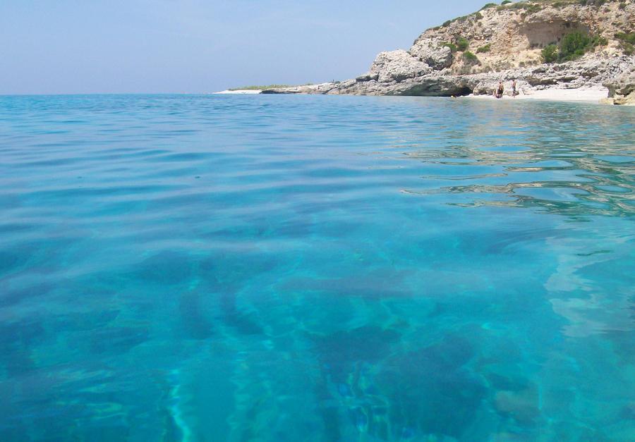 blue_water_by_nallasxh-d52mujm.jpg