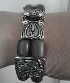 Shades of gray slide bracelet