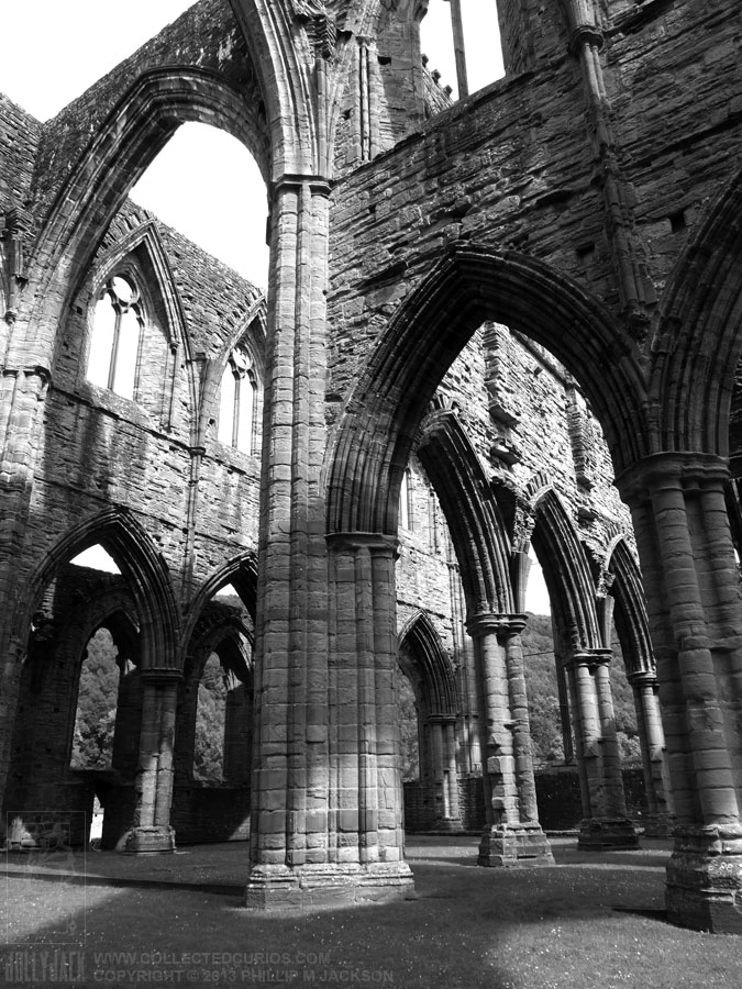 Tintern Abbey 01 by jollyjack