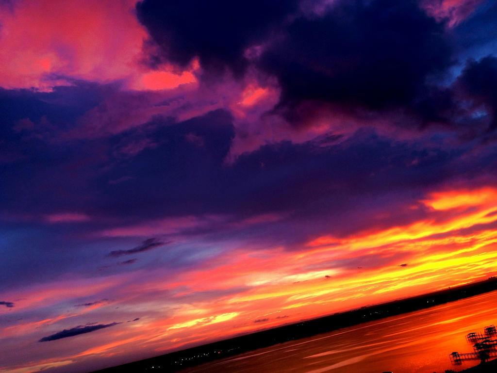 Sunset 12 Manipulation by DiamondTheNightmaren