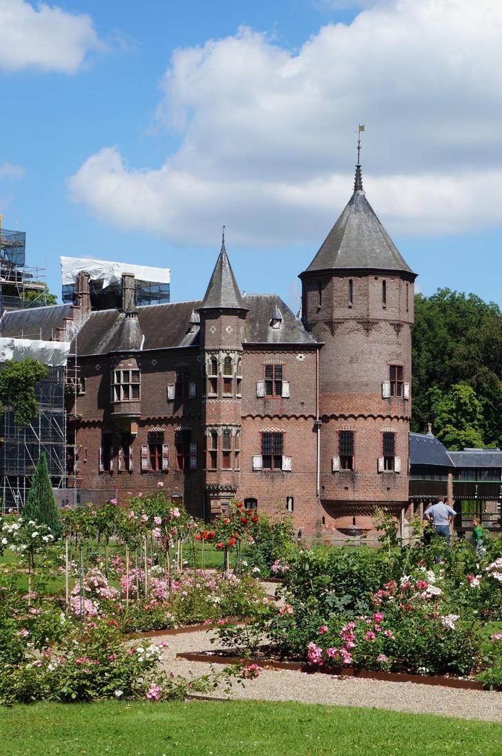 Fairytale Castle III by Gwendolyn12-stock