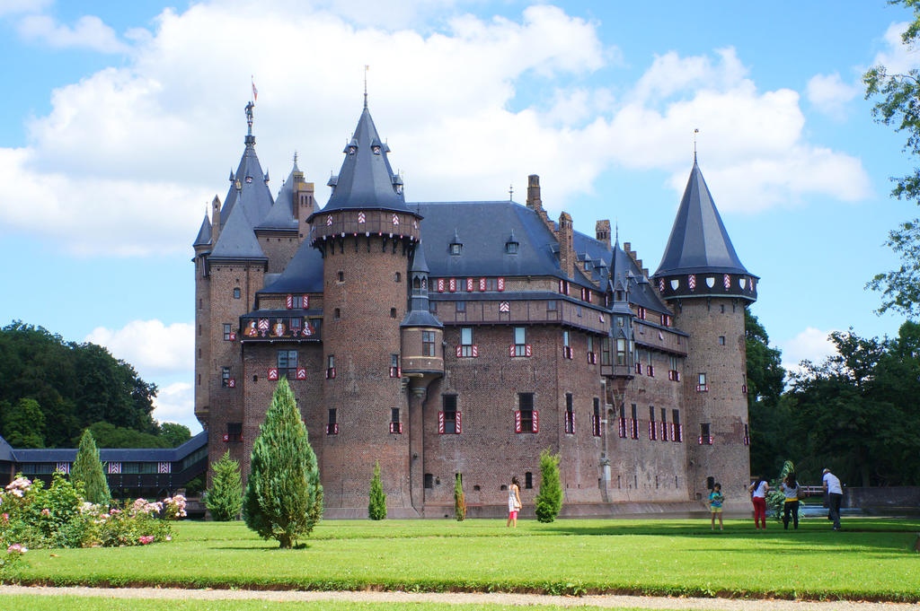 Fairytale Castle IV by Gwendolyn12-stock