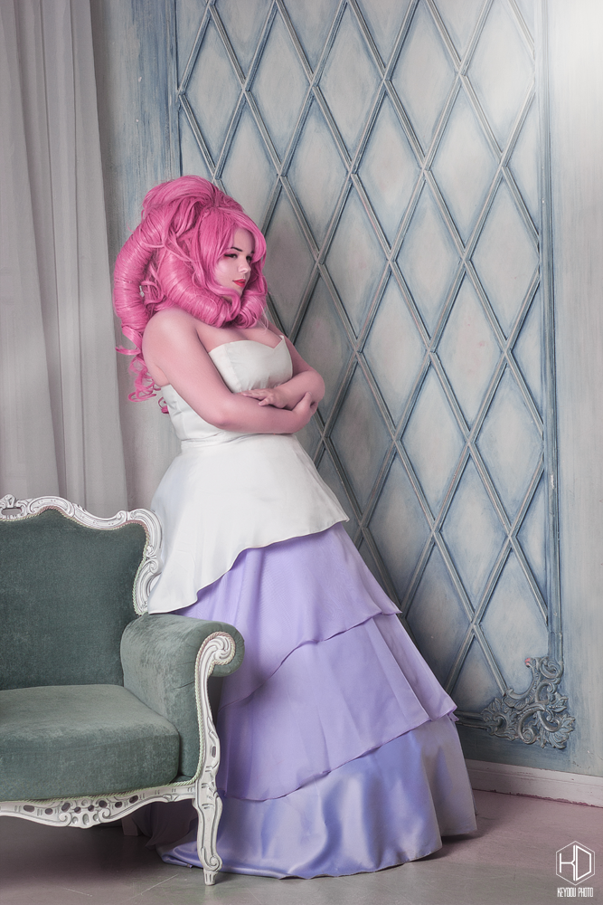 Rose Quartz  From Steven Universe  Photo by:  tophrayne.deviantart.com/ Follow me here ^^: ♠ WorldCosplay worldcosplay.net/member/SoulDa… ♠ Inst www.instagram.com/...
