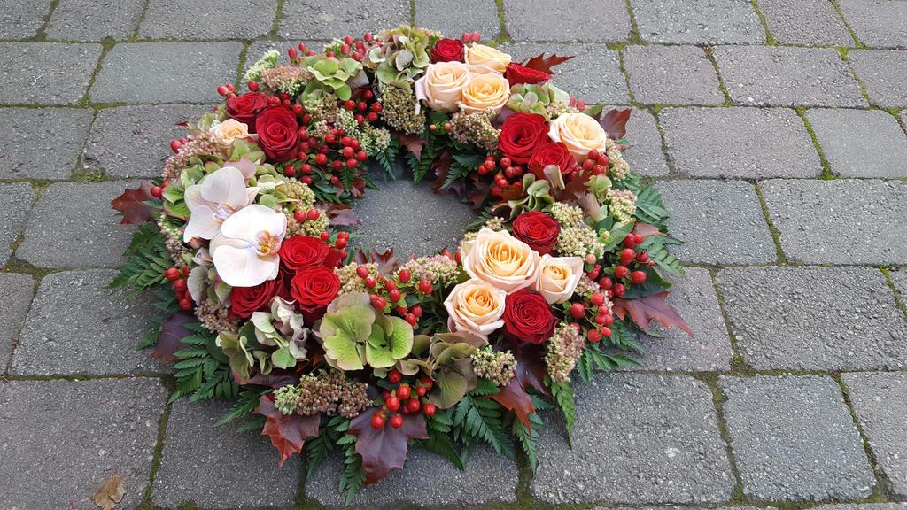 flower wreath by mete93