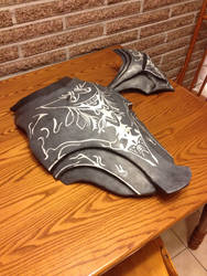 Artorias Breastplate (and shoulder) by TheYewTrousers