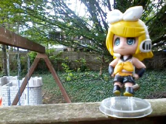 Kagamine Rin Figurine by Petpettails123