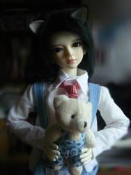 Kotik z nowym misiem by NiebieskiKot
