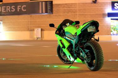 Glowin Green by xGHO5Tx