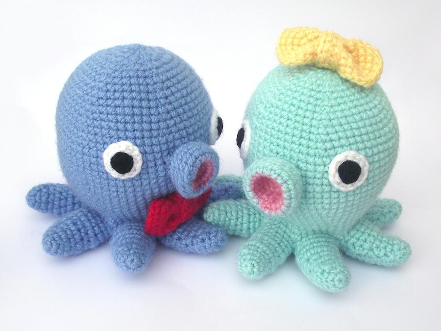 Pierrette and Pierre the kawaii amigurumi octopi by AnneKo