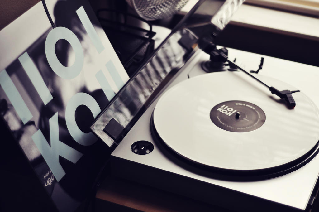Koji Vinyl by Bonvallet