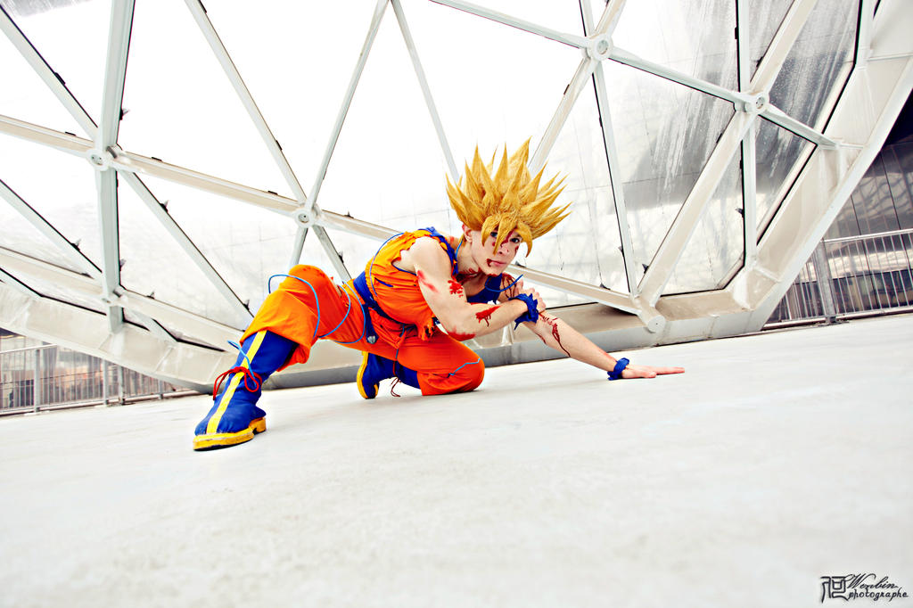 Son Goku ssj2 battle damaged by Alexcloudsquall