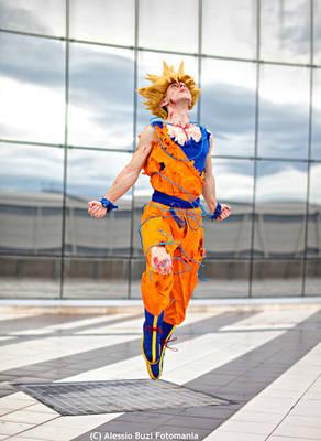 Goku cosplay .: Departing for new adventures!:.