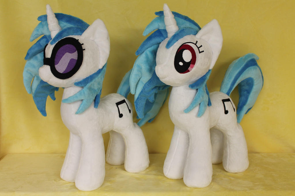 Vinyl Scratch by WhiteDove-Creations