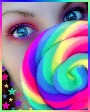 http://fc19.deviantart.com/fs30/f/2008/047/9/4/Colorfull_by_JNTAAR.jpg
