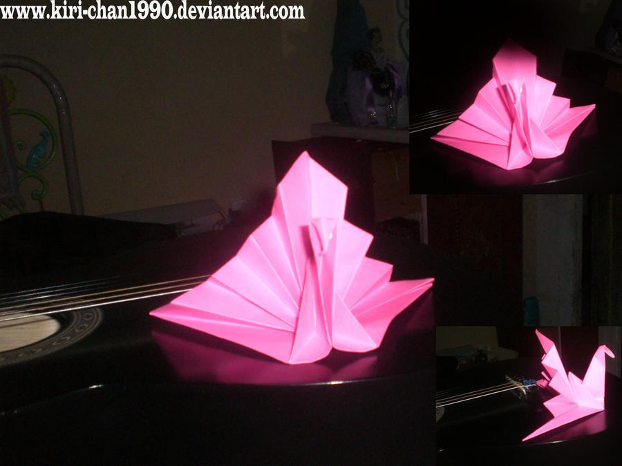 .::pavo origami xD::. by kiri-chan1990