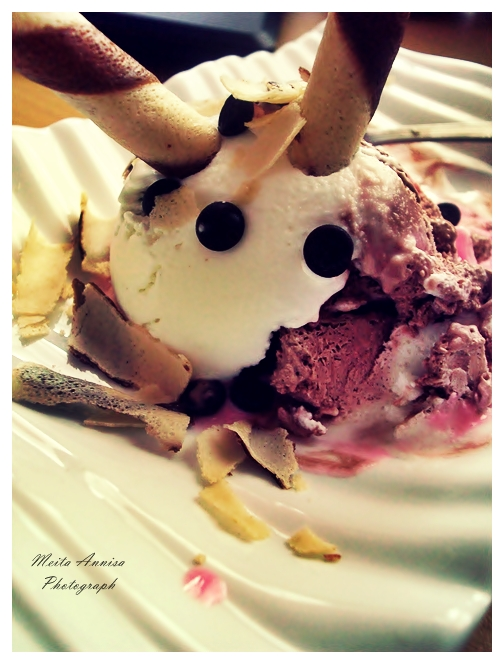 Ako ste gladni ili zedni svratite Robo_ice_cream_by_annimeita
