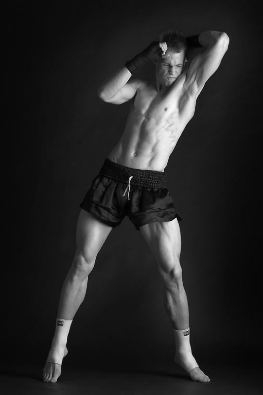 Muay thai: Elbow by Erric