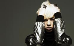 G-Dragon gone crazy by DarkSoulKagome90