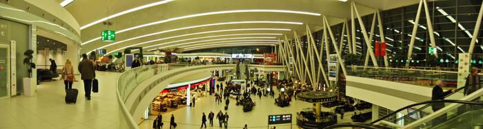 Aeropuerto de Budapest by MisterCoqui